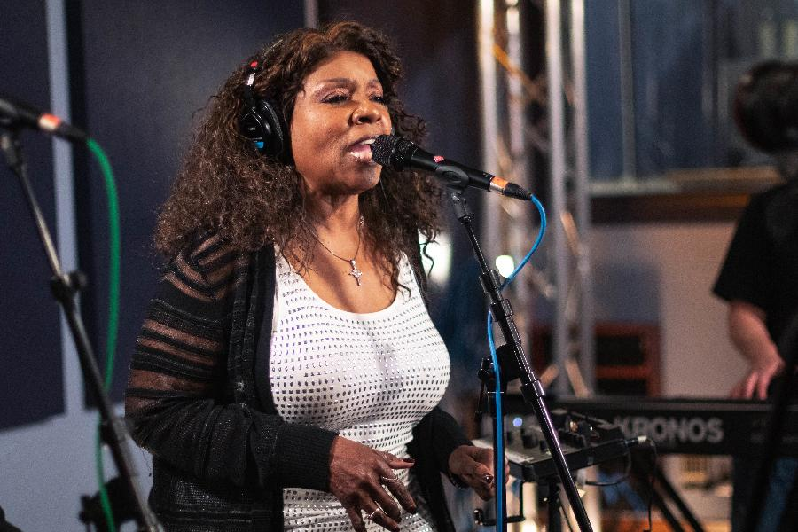 Gloria Gaynor: Disco Queen Goes Gospel