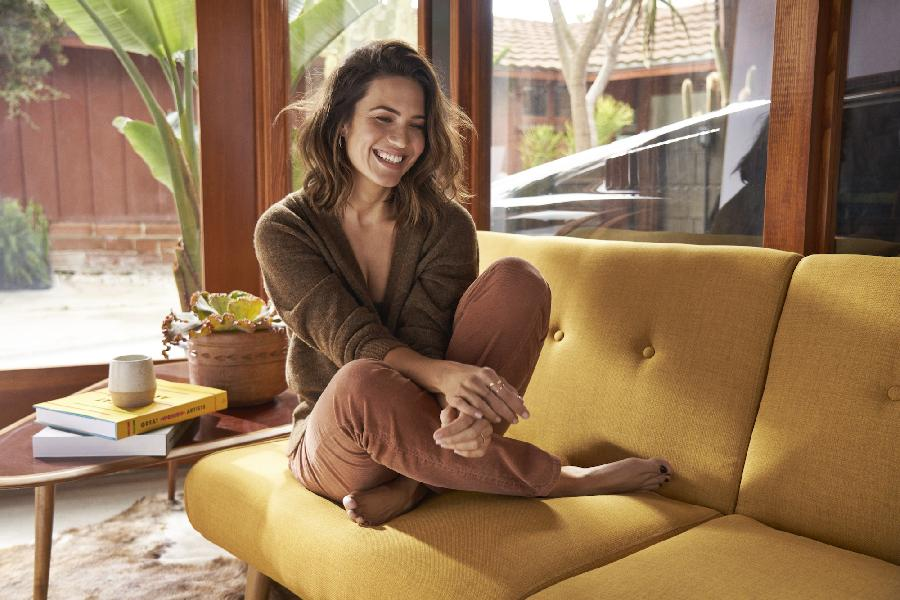 With 'Silver Landings,' Mandy Moore Reclaims Her First Love, Music