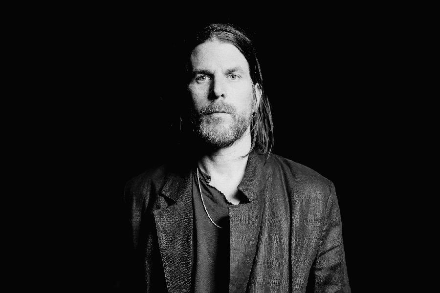 Jonathan Wilson Goes Back To His Roots For 'Dixie Blur'