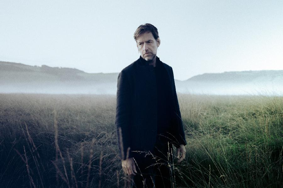 Radiohead's Ed O'Brien Talks 'Earth,' His New Solo Project As EOB