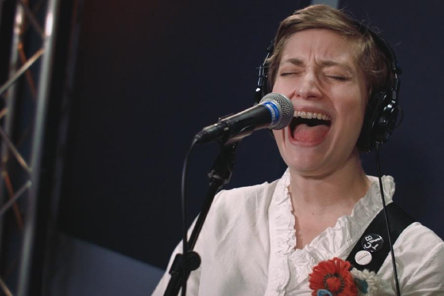 Petal On World Cafe