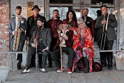 Squirrel Nut Zippers On World Cafe